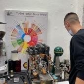 JACOBS Barista Workshop @coffeelovers.gr #brewingcoffee #coffeelovers #coffeediploma #coffee #filtercoffee #coffeeknowledge #coffeetrends #waterforcoffee #baristatraining #coffeebrewing #coffeelifestyle #espresso #cappuccino #jacobsespresso #easymilk